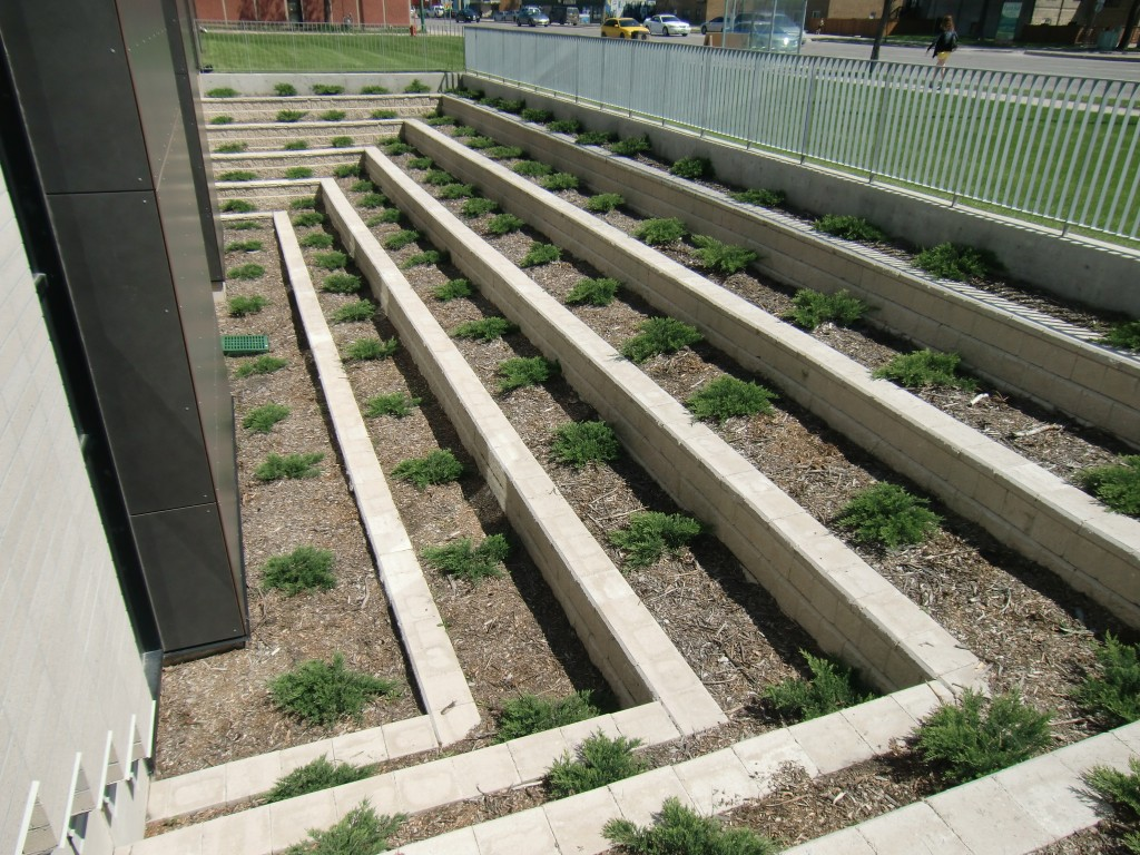 Commercial Retaining Wall 02