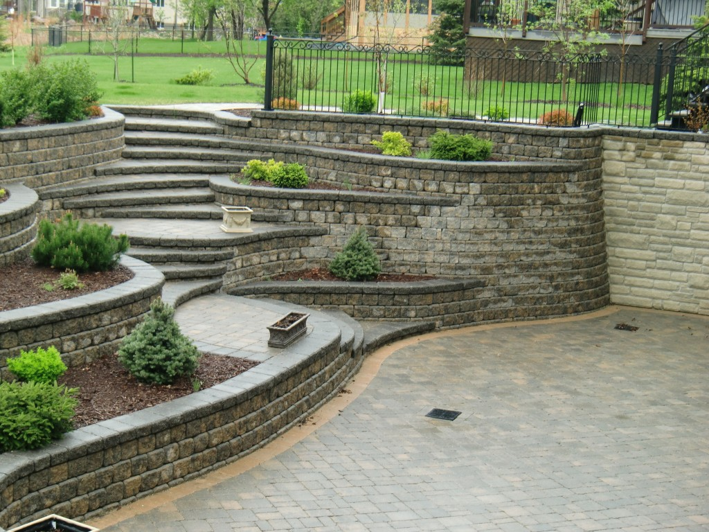 Res Retaining Wall 01