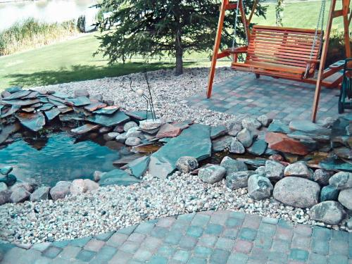 Veert Landscaping Inc. - Water Feature - 1